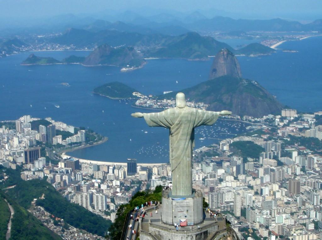 Cristo de Corcovado e Bahia de Guanabara RJ Brasil