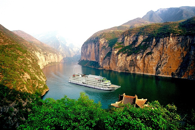 Cruise on the Yangtze River