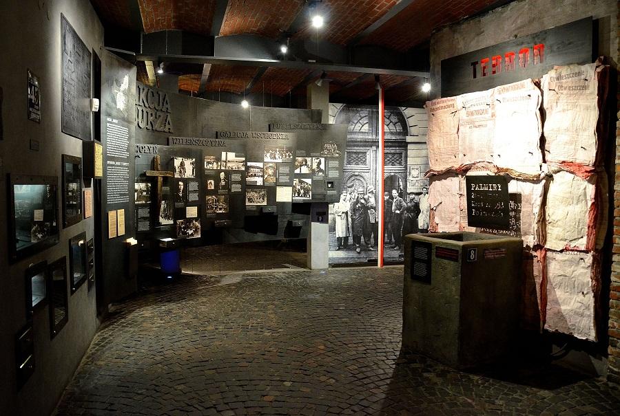 Ekspozycja_Akcja_Burza_Muzeum_Powstania_Warszawskiego (1)