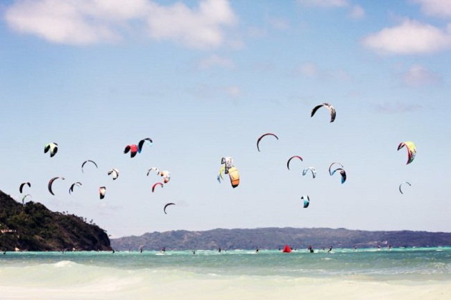Kite Surfing at the Scenic Beaches