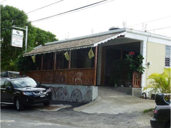 La Robe Creole, Dominica