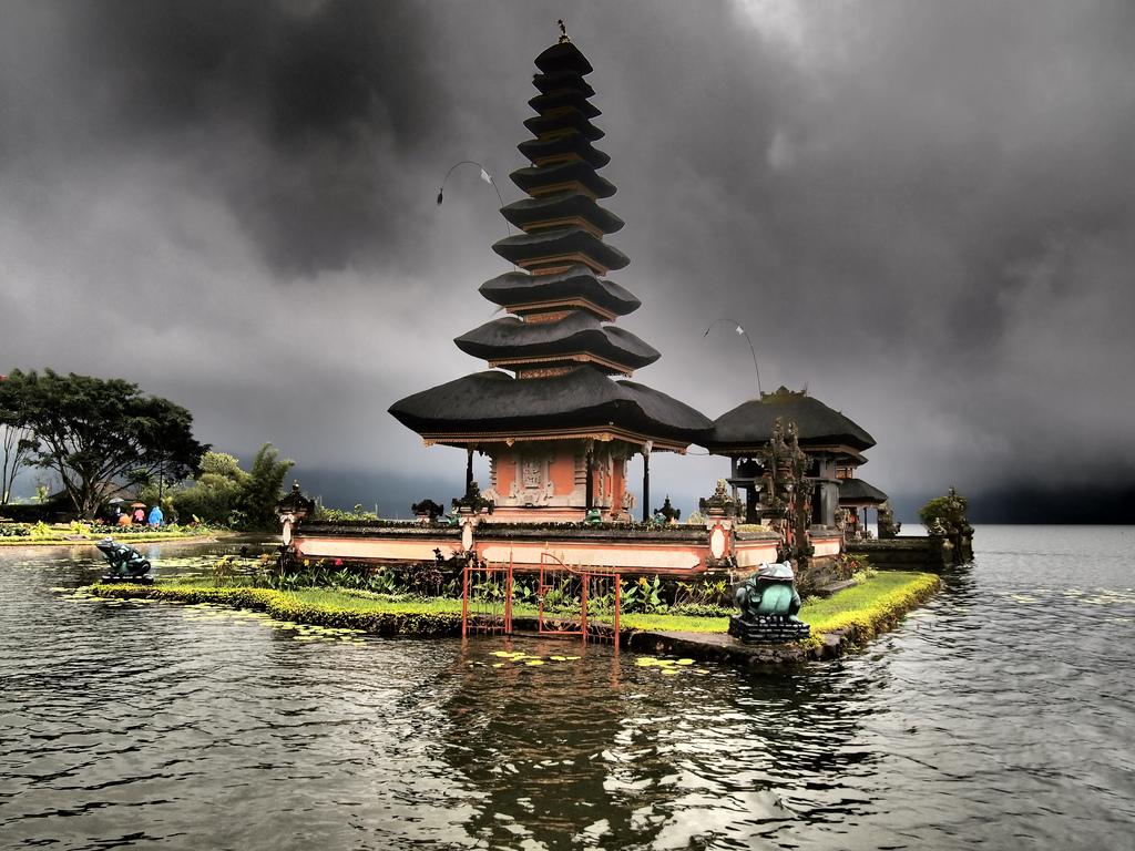 Lake Braten Bali