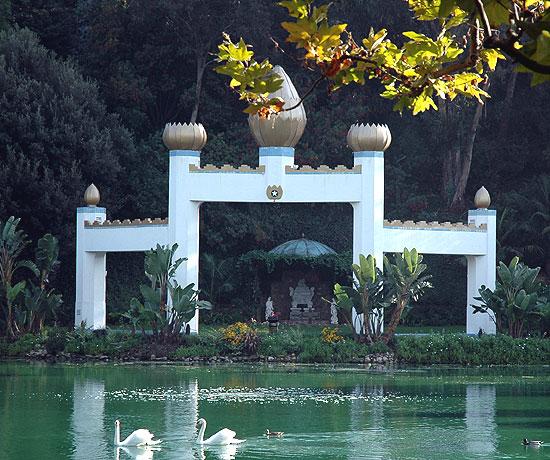 Self-Realization Fellowship Lake Shrine Temple