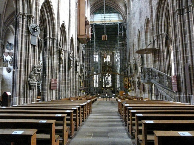 St. Lorenz Church Inside