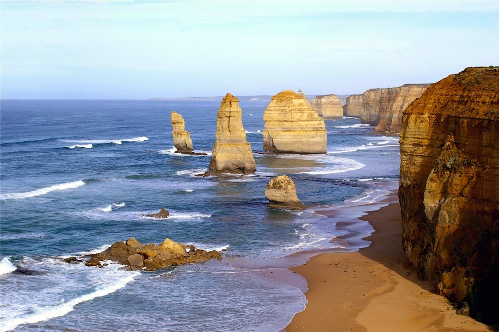 sculpture of the 12 apostles, Australia