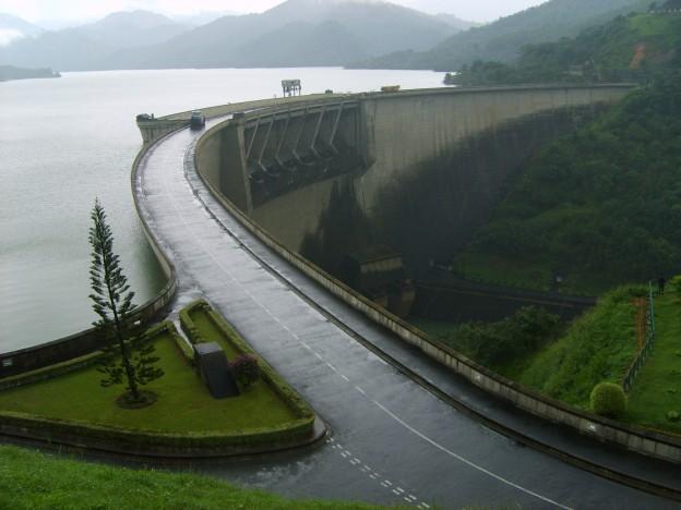 Victoria Dam Sri Lanka
