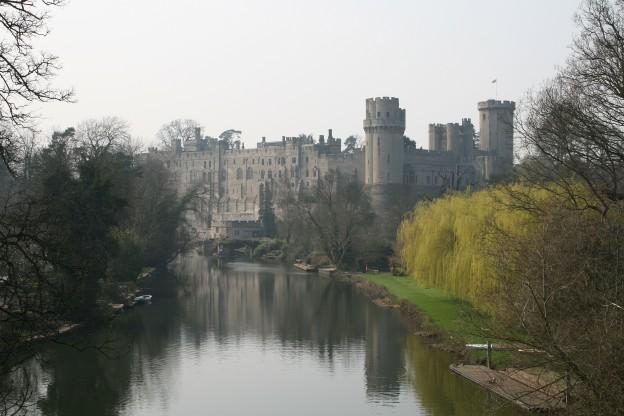 Warwick Castle  mist 23o2007