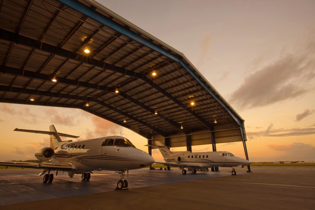 Drive-through-Canopy-at-new-Jet-Aviation-FBO-at-Houston-Hobby-Airport