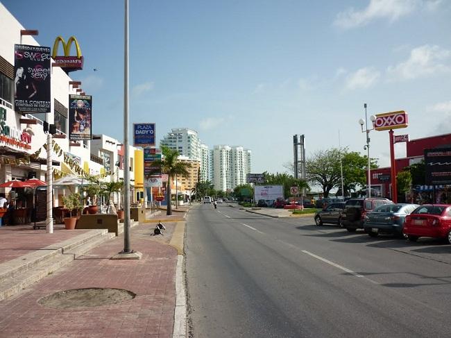 Avenida Kukulkan