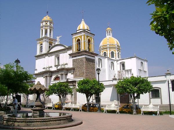 Casa De La Cultura and Alberto Isaac Museum