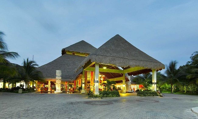 Grand Palladium Riviera Resort