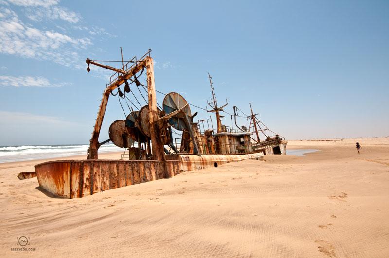 Namibe desert, Angola