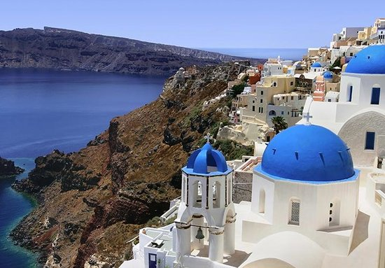 Places to See in Santorini 1