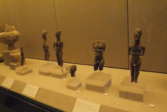 prehistoric_thira_museum_0