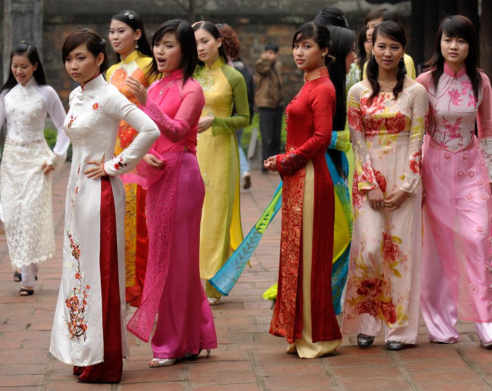 traditional costume, Vietnam